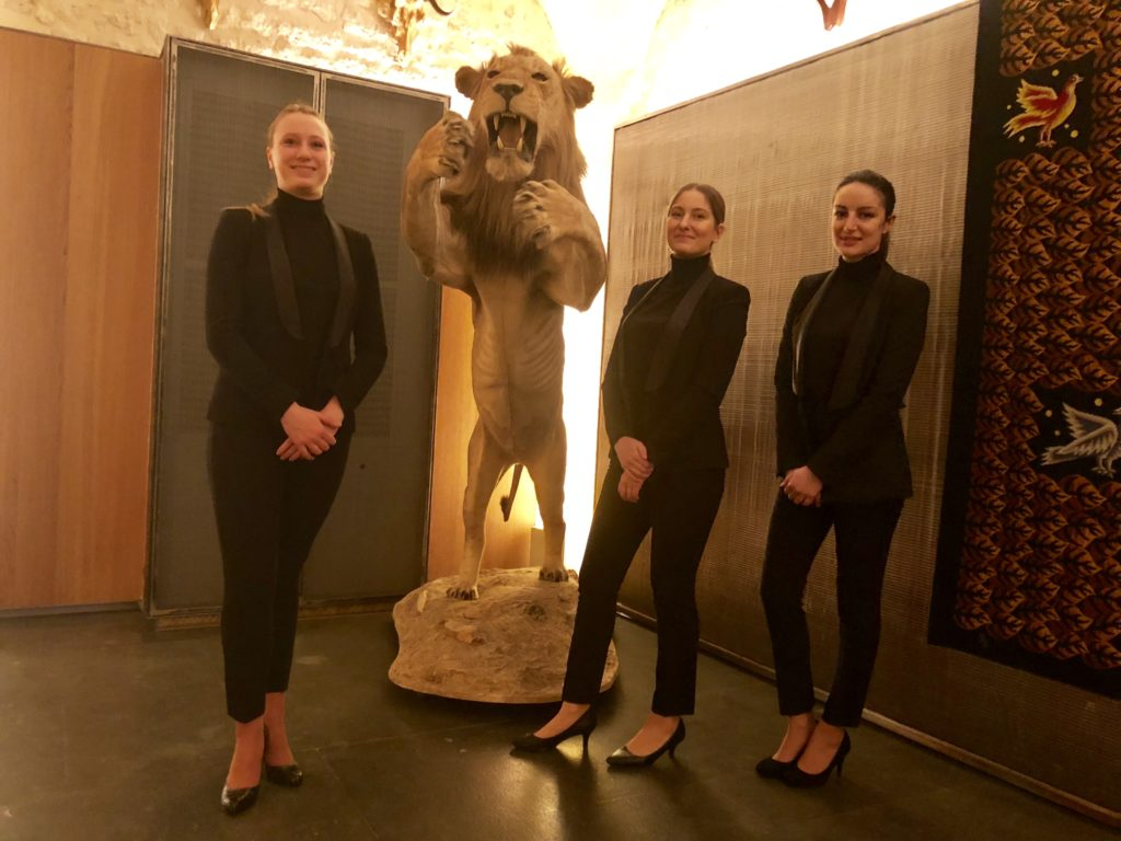hotesses-accueil-musee-chasse-nature